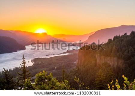Sunrise at Columbia River Gorge, Oregon-USA #1182030811