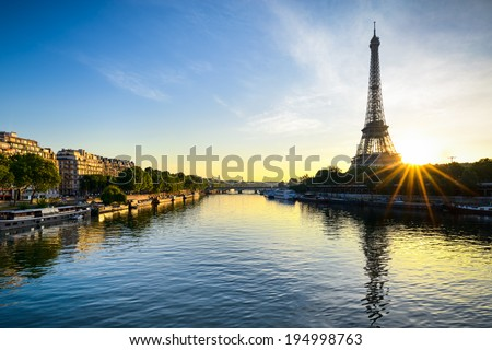 Sunrise at the Eiffel tower Paris