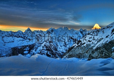 Sunrise in the Himalayas, as seen from 6000 m high, Everest Region