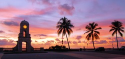 Sunrise on Palm Beach Island, Florida / Palm Beach Time