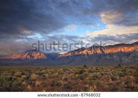 Sunrise over Sierra Nevada mountains in eastern California
