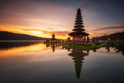 Sunrise view at Ulun Danu Temple Beratan Lake Tabanan Bali