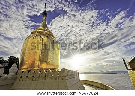Sunset at Buphaya Pagoda in Bagan, Myanmar