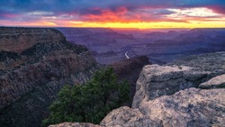 sunset at hopi point on the rim trail at the south rim of grand canyon in arizona in the usa