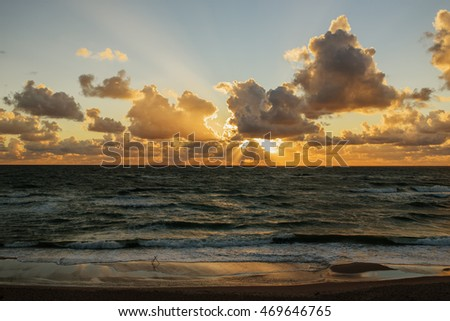 Sunset.   baltic sea. Gold sea sunset. Picture Sea sunset. Sea sunset background. Amazing sea sunset Sunset sea picture. Sunset sea waves. Summer sunset.