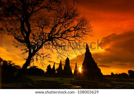 Sunset  old Temple wat Chaiwatthanaram of Ayuthaya Province Thai