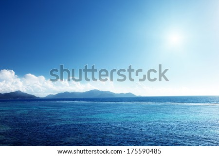 sunset on La Digue island, Seychelles #175590485