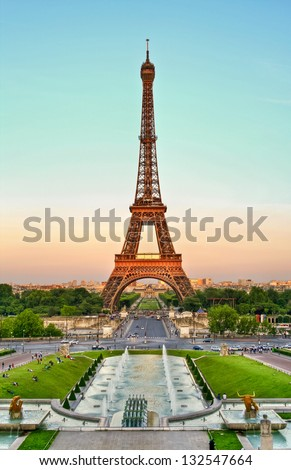 Sunset on the Eiffel Tower Paris France Eiffel Tower at dusk Paris France.Atardecer en la Torre Eiffel Paris Francia Tower Eiffel at dusk Paris France