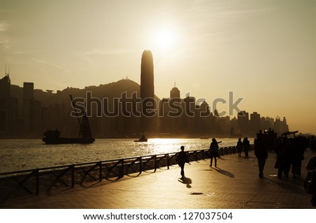 Sunset on the Tsim Sha Tsui Promenade (Avenue of the Stars) in Hong Kong