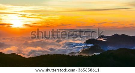 sunset over clouds - Gran Canaria - Roque del nublo national park