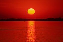 Sunset / sunrise on the lake