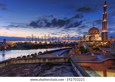 Sunset view at Putrajaya Mosque