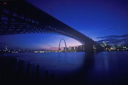 Sunset view of St. Louis, Missouri skyline and Eads Bridge