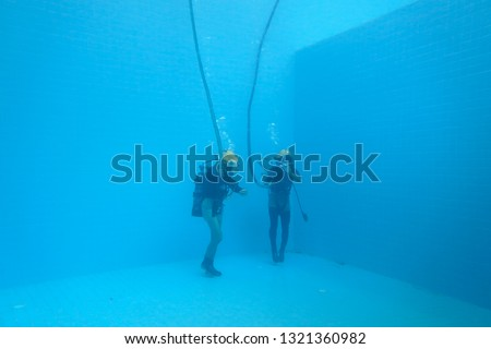 surface supplied commercial diver. diver. Underwater. #1321360982