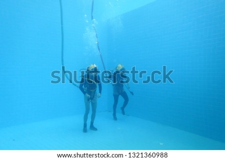 surface supplied commercial diver. diver. Underwater. #1321360988