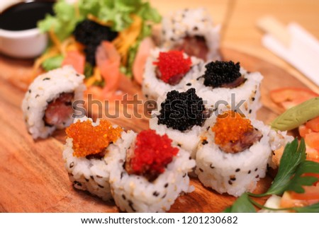 sushi, caviar, food, salmon, japanese, isolated, fish, roll, background, seafood, red, gourmet, traditional, top, meal, white, plate, japan, restaurant, rice, maki, nigiri, raw, fresh, black, asian, h Foto stock ©
