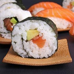 sushi maki avocado salmon