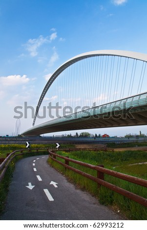 Suspended bridge in Italy over bicycle lane