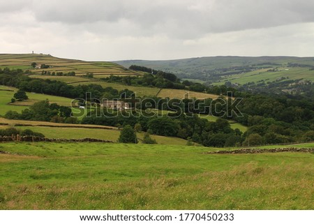 Sutton in Craven, West Yorkshire, with Lund's Tower on the Hill Stock fotó ©
