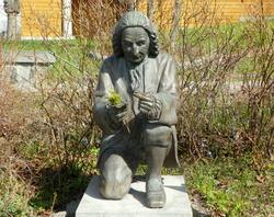 Sweden, Stockholm, Skansen Open-Air Museum, statue of Carl Linnaeus