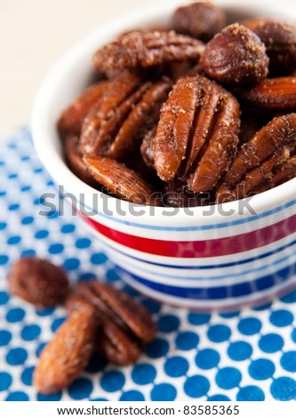 Sweet and Spicy Roasted Nuts Party Mix