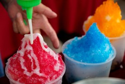 Sweet homemade shaved ice, Is a popular street restaurant