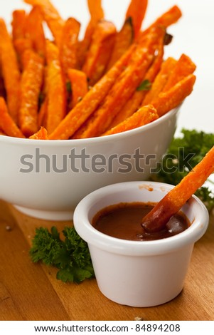 Sweet Potato Fries w/dip 4