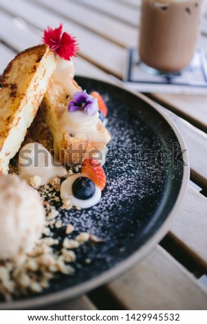 Sweet & Savoury dessert a cafe