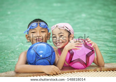 swimming kid and family