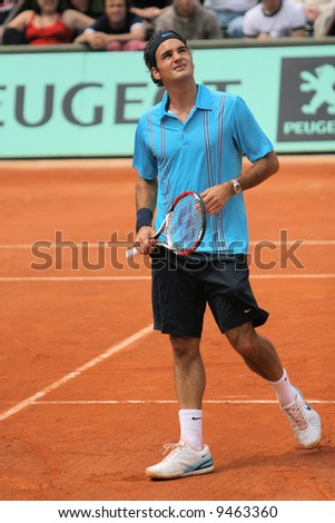 Switzerland top ranked tennis player Roger Federer during the exhibition match at Roland Garros. Paris, May 2007.