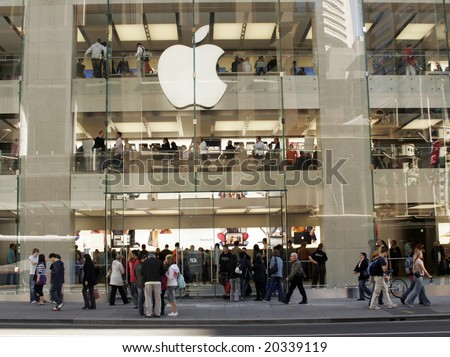 SYDNEY - JUNE 21: Apple Opens its first official Australian store with crowds waiting in line for over 24 hours  June 21, 2008 in Sydney, Australia.
