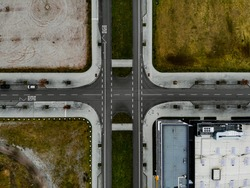 Symmetrical topdown-view on a Intersection