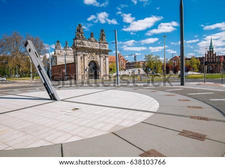Szczecin / Port gate and sundial  Stockfoto ©