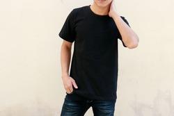 T-Shirt a boy with a black shirt on you
