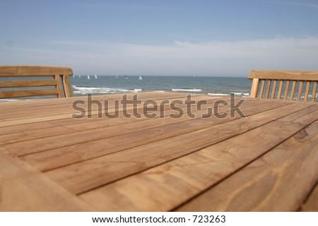 Table o the beach