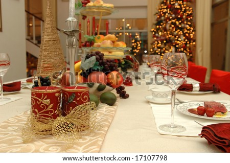 Table set of a christmas dinner meal