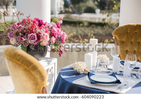 table setting at a luxury wedding or another catered event marine