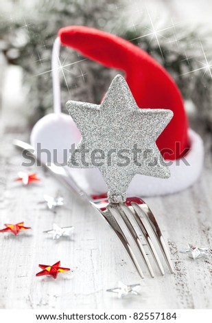 table setting for christmas with decoration
