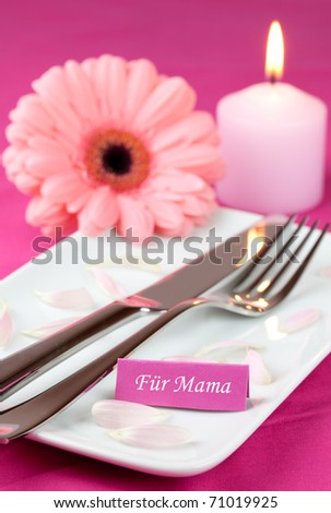 table setting for mothers day with tag