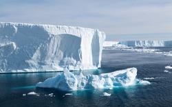 Tabular Icebergs in the Weddell Sea