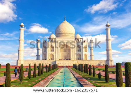 Taj Mahal, Agra, Uttar Pradesh, India, sunny day view