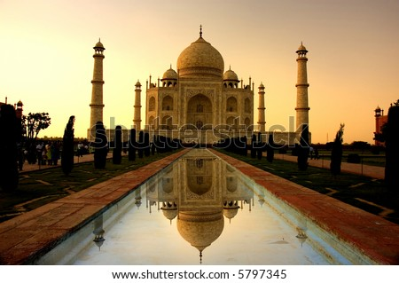 taj mahal sunset with reflection