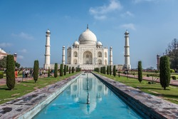 Taj Mahal & the reflection with groups of tourist