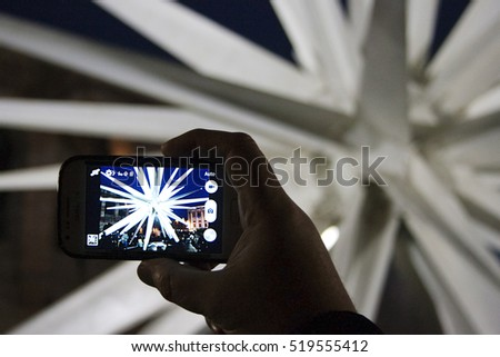 Taking photo of a Christmas star