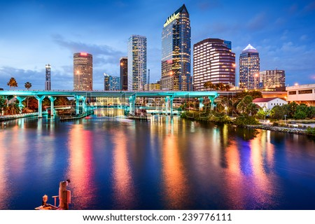 Tampa, Florida, USA downtown city skyline over the Hillsborough River. Foto stock ©