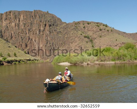 Tandem canoeing on the South Fork of the Owyhee River