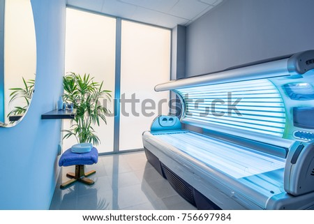 Tanning bed in a modern beauty salon. #756697984
