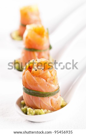 Tapas with Salmon with avocado cream