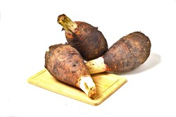 Taro is a Biennial plant that frequently uses for making a dessert because it can be made to a variety of sweet menus. The portion of taro that use for eating is the root of taro that grow underground