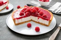 Tart , pie , cake with jellied fresh raspberries ( no bake cheesecake)